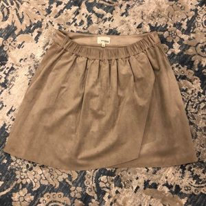 Aritzia Wilfred Free suede skirt size Large